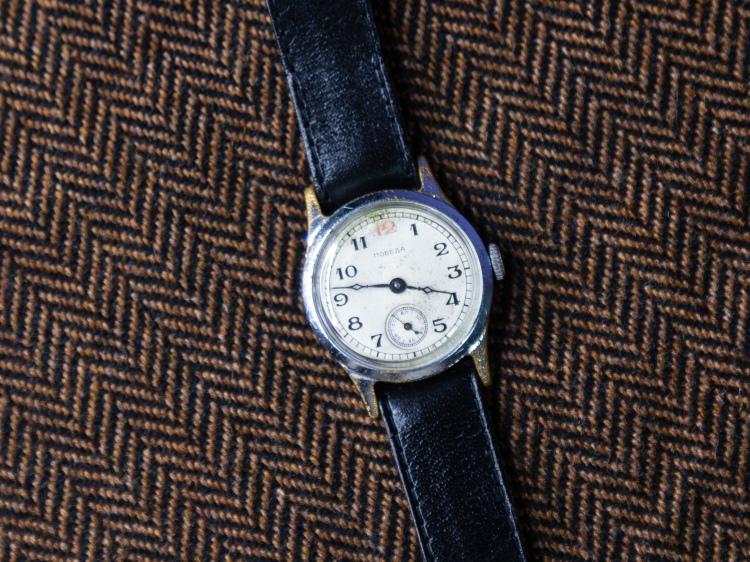 1955 Pobeda Red 12 soviet russian watch